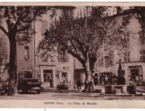Photo de la place du marché - années 1930-1940.